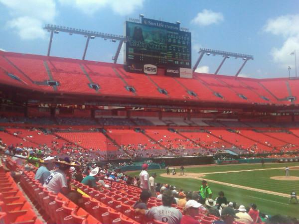 florida-marlins-empty-stadium.jpg?